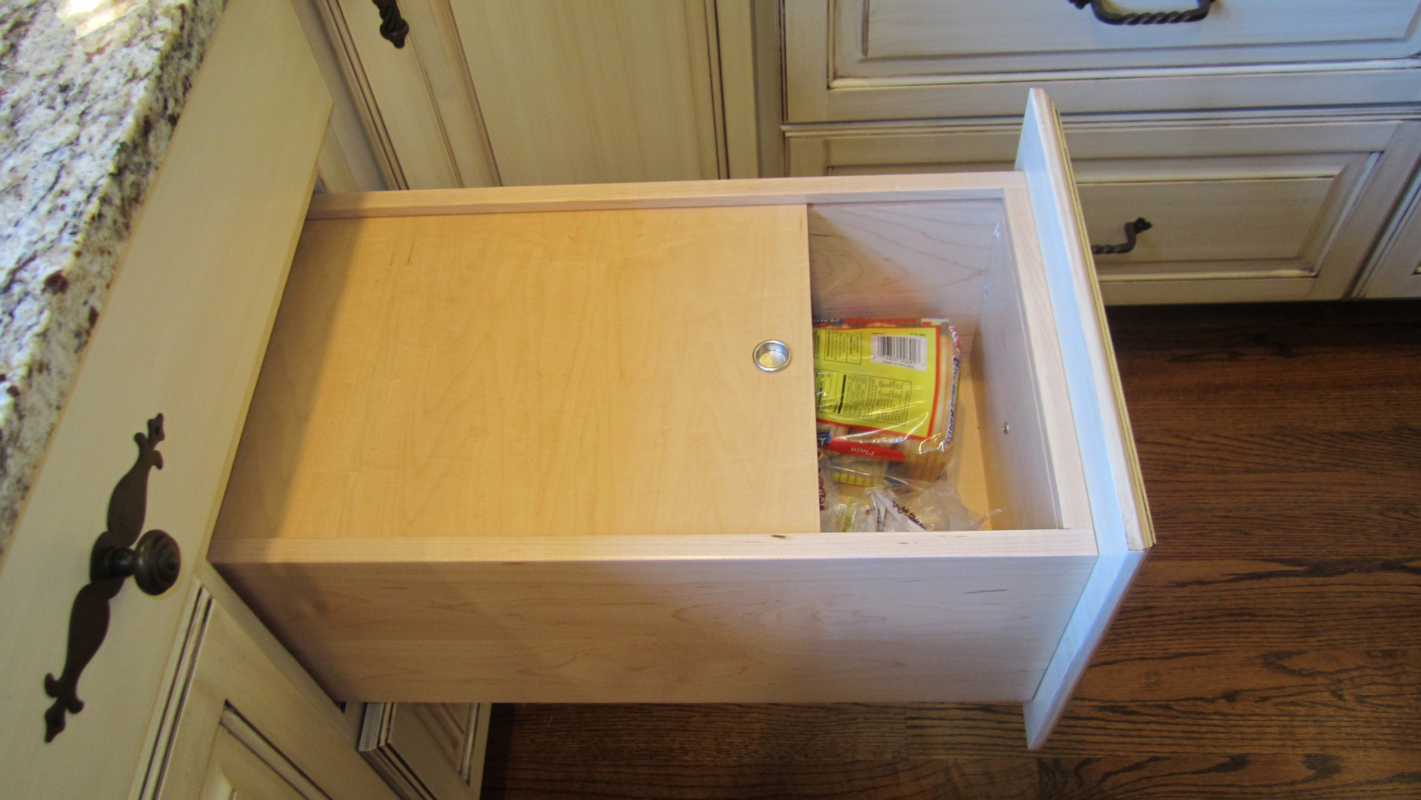 Bread-Drawer