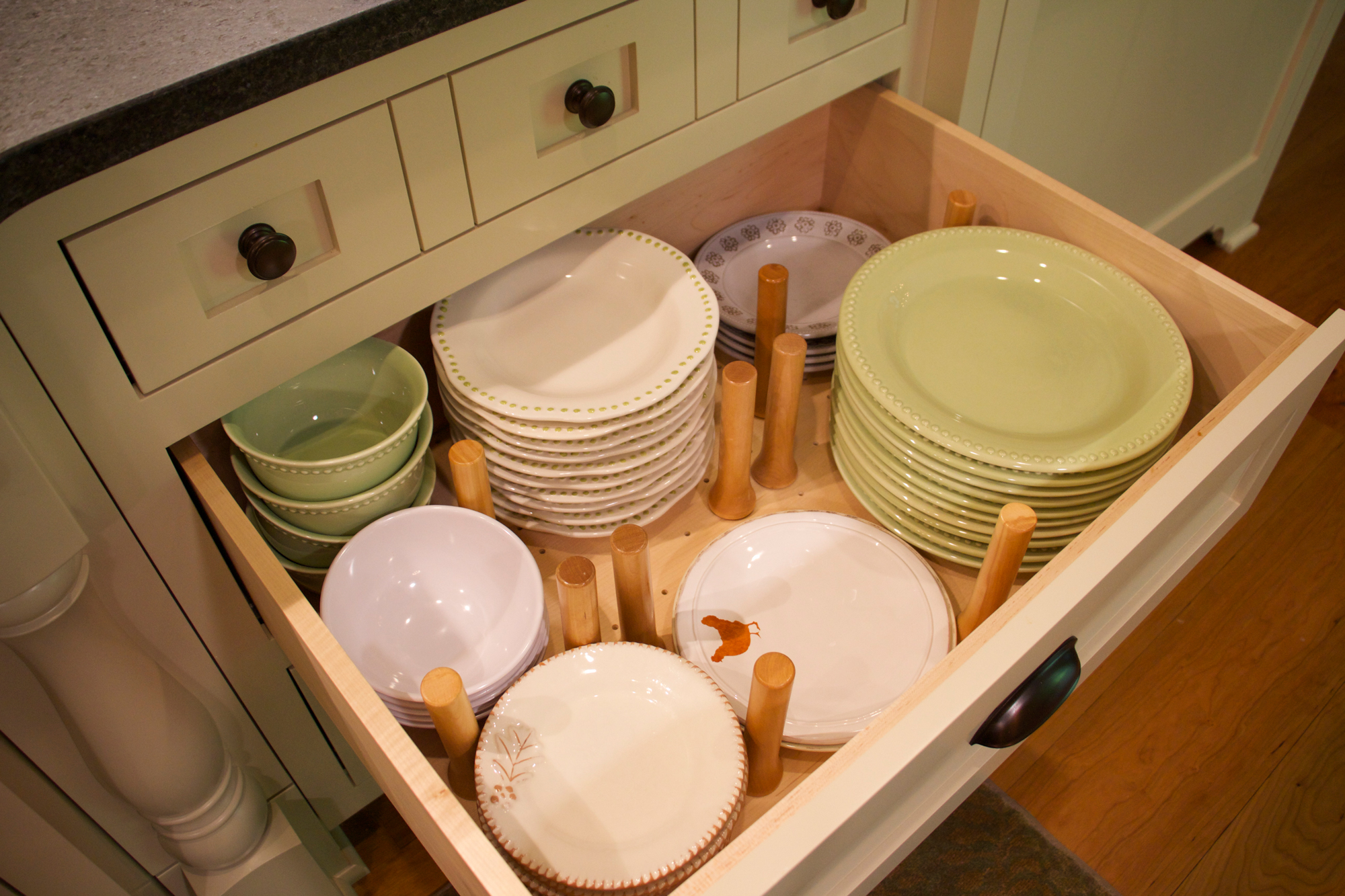 Plate-drawer