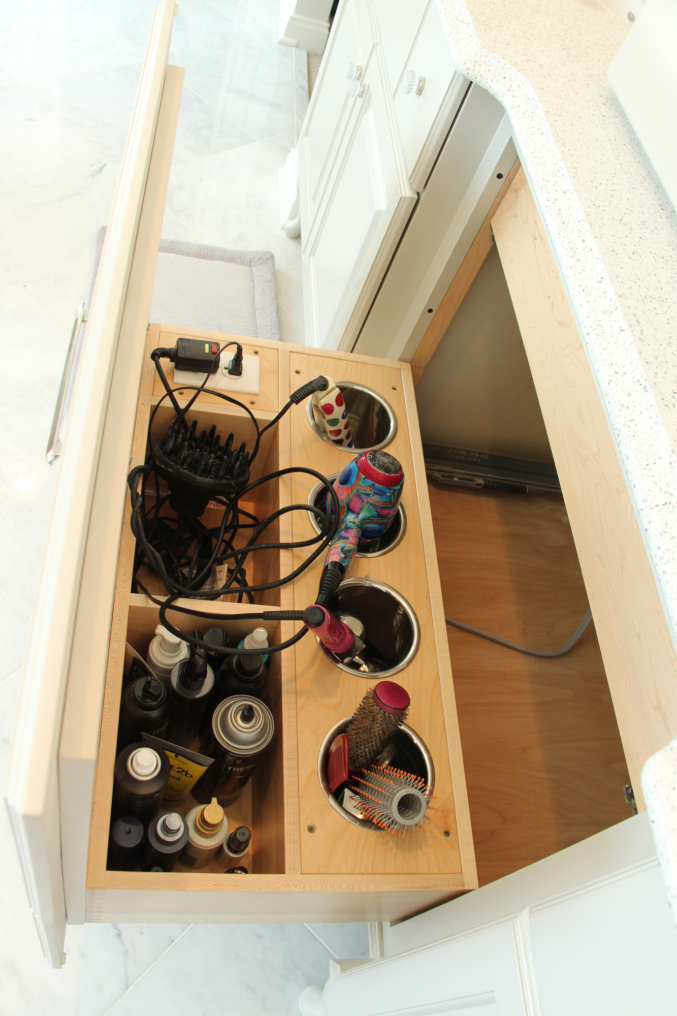 Salon-Drawer